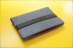 inste's Evan wallet, which comes in tons of colors, materials and sizes, is a minimalist's dream wallet. Minimalist Wallet, Modern Minimalist, Minimalist Fashion, Minimalist Living, Bilbao, Edc Wallet, Pocket Wallet, Canvas Wallet, Classy Aesthetic