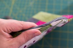 Log Cabin Hexi Potholders... a tutorial with partial seams — SewCanShe   Free Daily Sewing Tutorials
