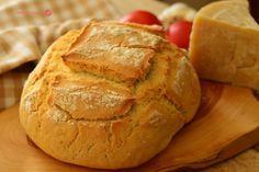 Pan en olla de Pirex.   Cuchillito y Tenedor