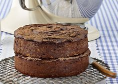 KitchenAid Stand Mixer recipe - Old fashioned chocolate cake Kitchen Aid Recipes, Baking Recipes, Cake Recipes, Dessert Recipes, Yummy Recipes, Desserts, Stand Mixer Recipes, Stand Mixers, Old Fashioned Chocolate Cake