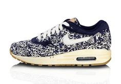 NIKE SPORTSWEAR: LIBERTY COLLECTION / SUMMER 2012