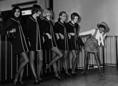 Why Mary Quant's Swinging Sixties London Look Stills Holds Sway Mary Quant, 60s And 70s Fashion, Fashion Moda, Vintage Fashion, Mod Fashion, Fashion Clothes, Swinging London, London Look, Smart Women
