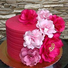 21st Birthday, Bolo Fake, Cake, Desserts, Food, Instagram, Plated Desserts, Amazing Cakes, Anniversary Cakes
