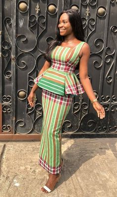 Call, SMS or WhatsApp 2348144088142 if you want this style, needs a skilled tailor to hire or you want to expand more on your fashion business. African Print Skirt, African Print Dresses, African Print Fashion, African Fashion Dresses, African Dress, African Blouses, African Lace, African Attire, African Wear
