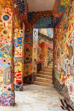 Colorful mosaic tiles : Wat Pha Sorn Kaew