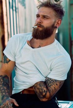 Great Beards, Awesome Beards, Bad Beards, Beard Styles For Men, Hair And Beard Styles, Beard Suit, Goatee Beard, Bearded Tattooed Men, Hot Bearded Men