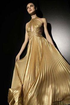 Zuhair murad spring 2018 ready-to-wear fashion show glamour Satin Dresses, Elegant Dresses, Pretty Dresses, Zuhair Murad, Couture Dresses, Fashion Dresses, Couture Fashion, Fashion Show, Costumes For Women