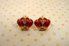 Avon red enamel crown earrings 1990s pierced gold tone vintage royal red with rhinestone