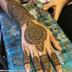 Top Latest & Simple Arabic Mehndi Designs for Hands & Legs - Henna designs hand - Henna Hand Designs, Mehndi Designs Finger, Latest Bridal Mehndi Designs, Simple Arabic Mehndi Designs, Mehndi Designs For Beginners, Mehndi Design Pictures, Mehndi Designs For Girls, Latest Mehndi Designs, Mehndi Designs For Hands