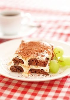 Tiramisu | K-ruoka #gluteeniton Tiramisu, Koti, Something Sweet, Hamburger, Sandwiches, Gluten Free, Bread, Foods, Cakes