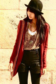 Red-cardigan-black-zara-tights-black-kochi-pants
