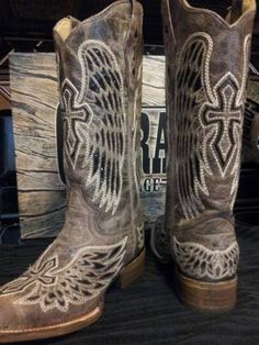 Corral boots COWGIRL CLAD COMPANY http://cowgirlclad.com #cowgirlclad #niceboots 417-350-1717