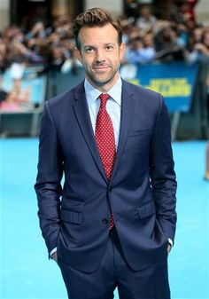 #JasonSudeikis in a #navy #suit. See more celebs on Wonderwall: http://on-msn.com/17nqwcn