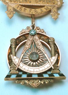 Antique Masonic Estate Pin by Hudson Estate Masonic Art, Masonic Jewelry, Masonic Lodge, Masonic Symbols, Templer, Eastern Star, Hand Of Fatima, Art, Architects