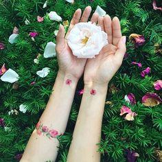 Garden-inspired tattoo by Pis Saro. PisSaro flower garden plant bracelet
