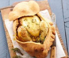 La recette du poulet rôti en coque de pain au thym