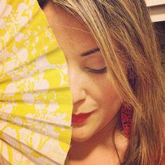 """""""Baila conmigo amor, que estoy muy cariñoso #guapa"""" / """"Dame aire de tu abanico que soc de #Barcelona i em moro de calor"""". #elultimodelafila #rockcatalá #manologarcia #musictimetraveling #tbt #musicadeverão #majalicious #SummerSaudade #saudadedeverao #ole #astronomiarazonable"""