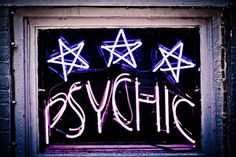 Madison goes to a psychic in hopes of regaining her memories