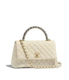 Handbags of the Fall-Winter CHANEL Fashion collection : Flap Bag with Top Handle, grained calfskin, elaphe & gold-tone metal, ivory on the CHANEL official website. Chanel Coco Handle, Coco Chanel, Mini Handbags, Vintage Handbags, Chanel Fashion, Fashion Bags, Chanel Handbags 2017, Chanel Bags, Designer Handbags