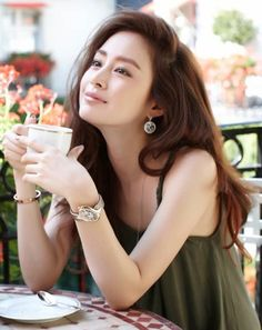 Kim Tae Hee Apologizes to Lee Min Jung? Lee Min Jung, Korean Beauty, Asian Beauty, Korean Girl, Asian Girl, Geisha, Asian Celebrities, Celebs, Korean Actresses