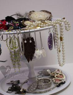 diy jewelry holder!