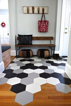 If you are planning to start the New Year by redecorating your home, it's important to know the new tile trends to give a new look to your favorite rooms, such as the kitchen or bathroom. So be creati Floor Design, Tile Design, Transition Flooring, Tile To Wood Transition, Transitional Decor, Transitional Kitchen, Black Kitchens, Kitchen Black, Deco Design