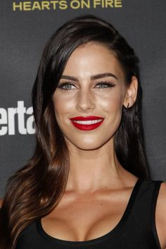 """Jennifer Aniston Is Bringing Back """"The Rachel"""" in a Chic New Way Jessica Lowndes The 90210 actress attended the Entertainment Weekly pre-Emmys party with a bold red lip and a fetching side braid. Hairstyles With Bangs, Braided Hairstyles, Cool Hairstyles, Hairstyle Ideas, Updo Hairstyle, Curly Hair Braids, Curly Hair Styles, Braids With Shaved Sides, Side Braids"""