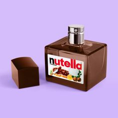 NUTELLA PARFUME - Paul Fuentes Design. For de biggest Nutella lover! Paul Fuentes is a graphic designer from Mexico. In his minimalist images, everyday objects (such as animals or food) are depicted and twisted into surrealist and humorous artwork. With his Sushi-cat or Floral Pizza he aims to put a smile on your face. The pastel coloured backgrounds give life to his minimalistic pop-mashup designs.