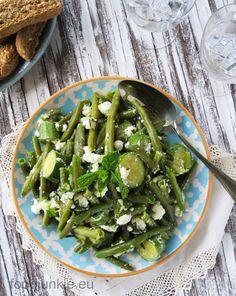 Salad Bar, Bean Salad, Seaweed Salad, Green Beans, Salads, Sweet Home, Vegetables, Junk Food, Ethnic Recipes