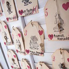 Wow! Alice in Wonderland escort cards