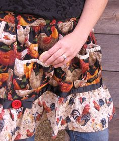 Egg Collector's Apron multiple pockets