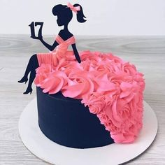 Barbie Dress Birthday Cake for girls Over 30 of the most Awesome Cake Ideas! Everything from Kids birthday cakes to wedding cakes, incredible decorated cakes, baby shower cakes & more! Fancy Cakes, Cute Cakes, Pretty Cakes, Beautiful Cakes, Amazing Cakes, Cakes To Make, Sweet 16 Cakes, Bolo Channel, Bolo Barbie