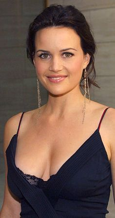 Carla Gugino (born: August Sarasota, FL, USA) is an American actress. Beautiful Celebrities, Beautiful Actresses, Beautiful People, Most Beautiful, Beautiful Women, Carla Gugino Movies, Divas, Actrices Hollywood, Portrait