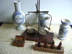 Apothekersset Weegschaal 1838-1936 A.J.Bakker Glasfabrieken e.a.