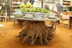 Tree trunk table- idea for the pecan coming down this week Dining Room Furniture, Wood Furniture, Outdoor Projects, Wood Projects, Root Table, Tree Trunk Table, Wood Trunk, Living Room Lounge, Backyard Paradise