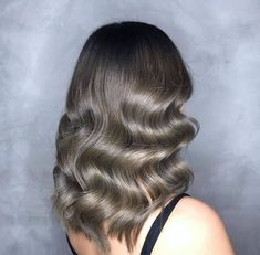 This retro finger waves inspired look is perfect for formal occasions #ashblonde #hairstyle #blondehair #haircolor