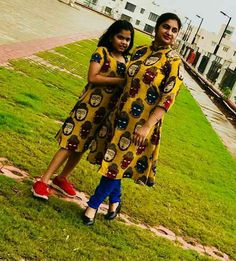 How to wear necklaces clothing summer outfits Ideas Kurta Designs Women, Salwar Designs, Party Wear Maxi Dresses, Mom Daughter Matching Dresses, Kalamkari Dresses, Kids Frocks Design, Mother Daughter Fashion, Baby Dress Design, Dress Neck Designs