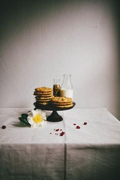 White Chocolate, Raspberry, and Pistachio Cookies - hummingbird high || a desserts and baking blog