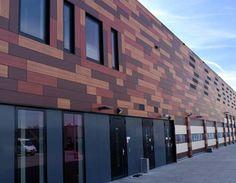 Вентилируемые фасады RESOPLAN     Особым типом конструкционных пластиков является материал для наружной отделки зданий. Поверхность этого материала имеет специальную защиту от выгорания под воздействием ультрафиолетовых лучей. Характеристики этого материала (устойчивость к климатическим условиям, относительно небольшой вес, простота обработки) позволяют широко использовать их для изготовления так называемых «вентилируемых фасадов».