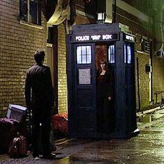 2005 Tardis - TARDIS Exterior - The Doctor Who Site