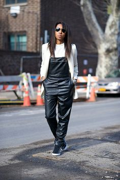 leather overalls in NYC. Teen Fashion Blog, Fashion Models, 90s Fashion, Fashion Outfits, Outfits Casual, Style Outfits, Cool Outfits, Amazing Outfits, Dark Fashion