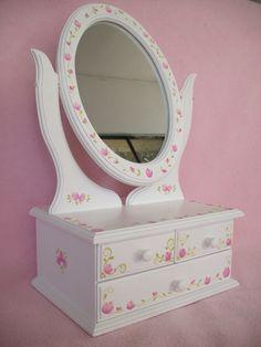 jbhk Decoupage Tutorial, Decoupage Box, Decoupage Furniture, Kids Furniture, Emoji Coloring Pages, Intarsia Wood, Barbie, Jewellery Boxes, Vintage Box