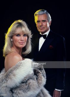 DYNASTY - gallery - Season One - Linda Evans (Krystle Carrington), John Forsythe (Blake Carrington), Linda Evans, Joan Collins, Dynasty Tv, Female Actresses, Actors & Actresses, Hollywood Glamour, Old Hollywood, John Forsythe, Portraits
