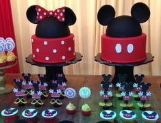 bolo fake minnie E Mickey #bolofakeminnie #bolominnie #festaminnie #minnie Bolo Mickey, Mickey E Minie, Minnie Mouse, Bolo Fake Minie, Character, Biscuit, Base, Panda Party, Small Cake