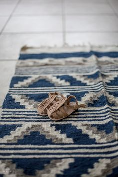 Humble Hilo Home Decor - Pillows and Rugs - Navy and Neutral Colors - Xan's Eye Photography - Xan Craven