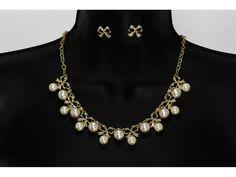 Conjunto Elegante Oro y Perlas Blancas con Aretes en Moño