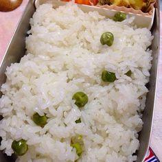 エンドウ頂いて豆ご飯しました - 41件のもぐもぐ - 豆ご飯 by yukiemourihnF