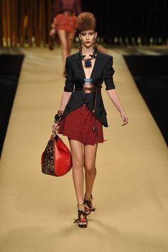 Louis Vuitton Spring 2009 Ready-to-Wear Fashion Show - Alana Zimmer (Elite)