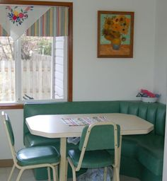 I Think You'll Love These Cozy, Retro Breakfast And Dining Nooks!: Retro Aqua Green Breakfast Nook