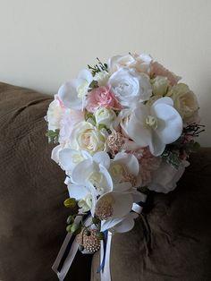 Ideas Bridal Bouquet Navy Gold Dusty Miller For 2019 Disney Bridal Showers, Tropical Bridal Showers, Bridal Shower Cake Sayings, Monique Lhuillier Bridal, Cascading Bridal Bouquets, Bridal Shower Centerpieces, Indian Bridal Makeup, Dusty Miller, Bridal Accessories